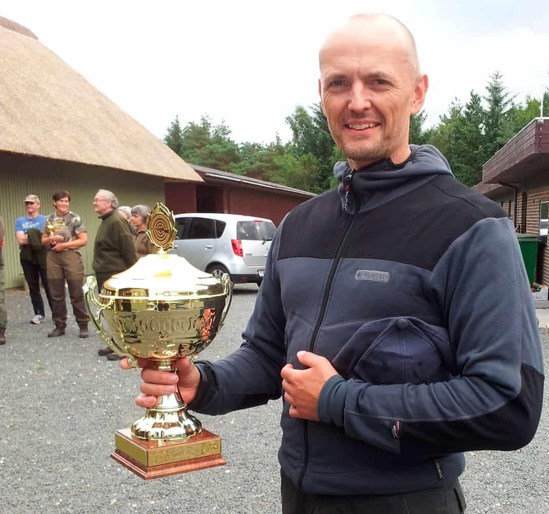 Peder Mørch Autoriseret jagttegnsunderviser og riffelskytte på internationalt topniveau.